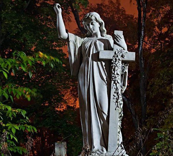 Экскурсии по Львову Лычаковское кладбище