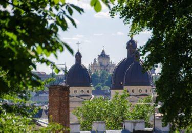 Город узеньких улиц и средневековых каменниц