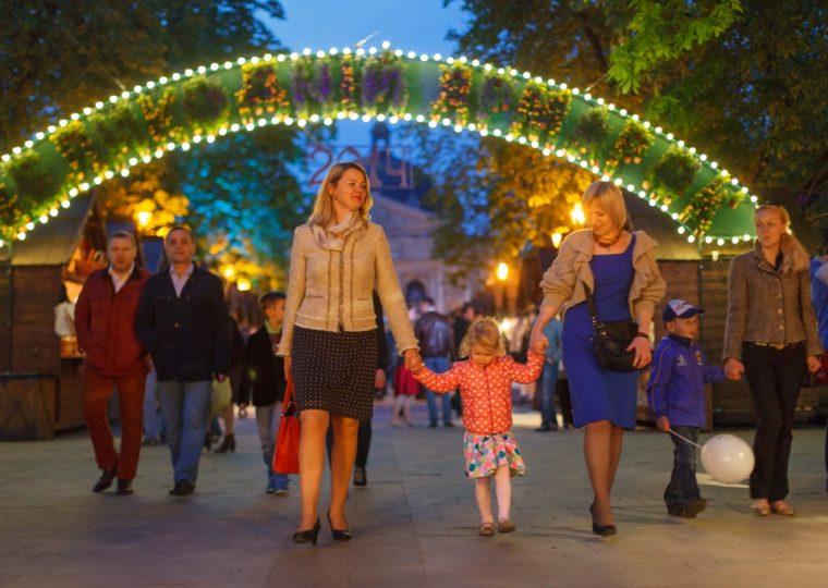 Тури на травневі свята Фестиваль писанок у Львові