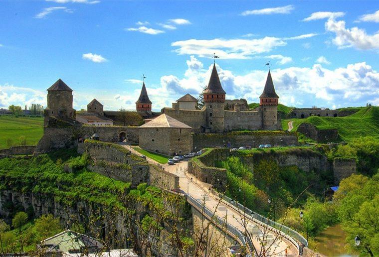 Тури Західною Україною Кам'янець-Подільський, Чернівці та Бакота