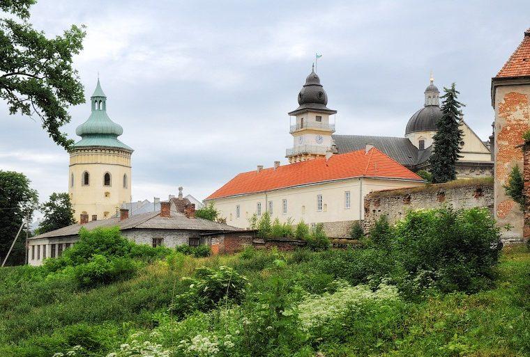 Тури Львівщиною Королівська Жовква та Крехівський монастир