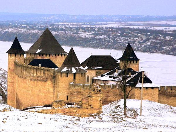 Новогодние и Рождественские туры Новогодний Каменец-Подольский, Черновцы и не только