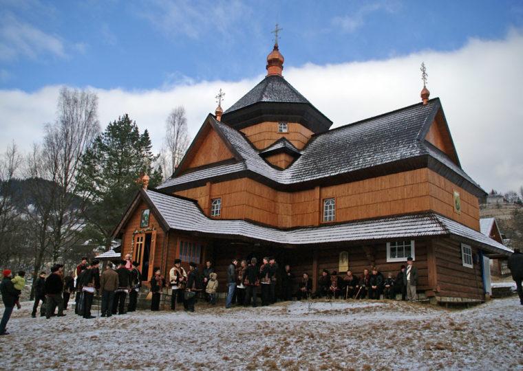Туры по Западной Украине Буковельские лыжи,санки и гуцульские забавы