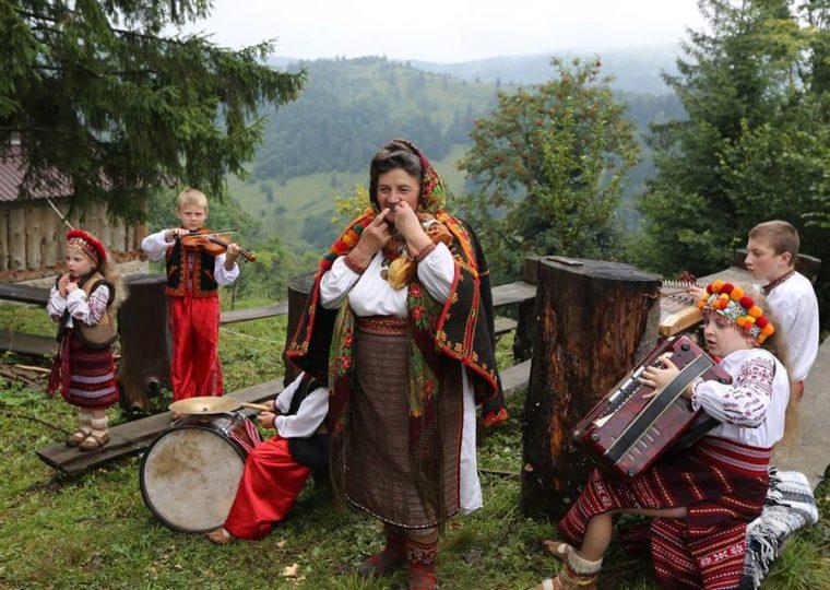 Тури Західною Україною Буковель та Гуцульські Карпати