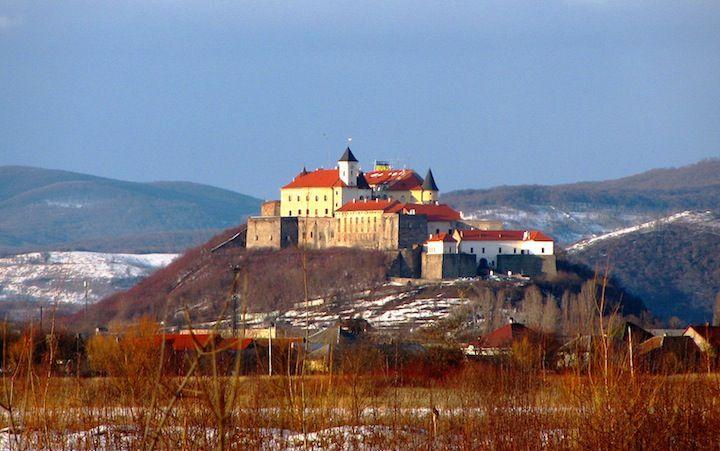 Тури Західною Україною Сиро-винний тур Закарпаттям